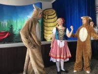 Lapseki'de çocuklara özel tiyatro gösterisi