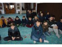 Kur'an'la bir saat baş başa geçirdiler