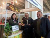 Salihli Ziraat Odası, Agroexpo'da üzüm dağıttı