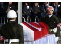 Cumhurbaşkanı Erdoğan ve Başbakan Yıldırım şehit cenazesine katıldı