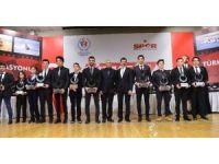 2016 yılında şampiyon olan motosikletçiler ödüllerini aldı