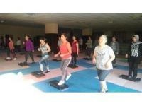 Kepez Belediyespor'un step, aerobik kurslarına yoğun ilgi