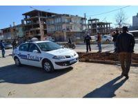 Motosiklet park halindeki minibüse çarptı: 1 yaralı