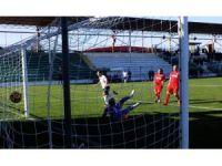 Serik Belediyespor Sandıklısporu 3 golle geçti