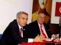 Anadolu Aydınlar Ocağı'nın Onur Konuğu Emekli Tümgeneral Tarık Özkut