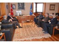Sağlık yöneticilerinden Rektör Gündoğan'a ziyaret