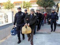 FETÖ'den gözaltına alınan 17 iş adamı adliyeye sevk edildi