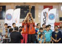 İşitme engelliler Türkiye Badminton Şampiyonası sona erdi