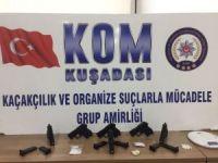 Kuşadası'nda silah kaçakçılığı operasyonu