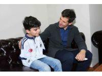 Milli futbolcu Emre Belözoğlu, engelli sporcularla buluştu