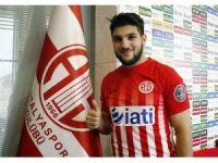 Mustafa El Kabir resmen Antalyaspor'da
