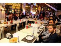 Avrupa yolundaki öğrenciler Rektör Yılmaz'la yemekte bir araya geldi