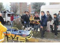 Kamyonet park halindeki minibüse çarptı: 1 yaralı