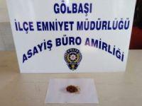 Öğrencilere uyuşturucu satan 2 kişi yakalandı