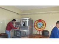 Iğdır'da 'Sokak Hayvanlarına Kulübe Yapma' projesi