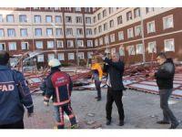 Siirt'te kız yurdunun çatısı çöktü