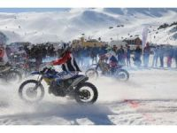Davraz'da motosnow yarışları nefes kesti