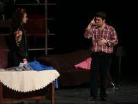 Tiyatro oyununu işaret dili ile buluşturdular