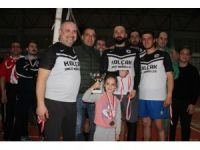 Ayvalık'ta Muhtarlar Derneği'nin voleybol turnuvasında şampiyon Kayaspor oldu