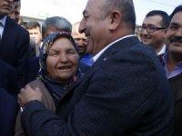 Dışişleri Bakanı Çavuşoğlu'ndan Antalya'da esnaf ziyareti