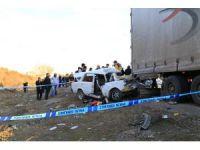 Ankara'da otomobil, tıra arkadan çarptı: 1 ölü, 2 ağır yaralı
