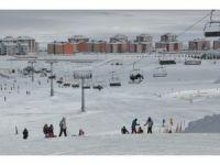 Sarıkamış'ta kayak keyfi devam ediyor