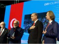 Cumhurbaşkanı Erdoğan açılışını yaptığı Uluslararası CNR Kitap Fuarı'nı gezdi