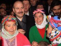 İçişleri Bakanı Soylu, Ayvacık'ta depremzedelerle bir araya geldi