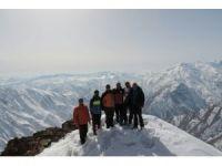 Abdulrezak Dağına zirve tırmanışı