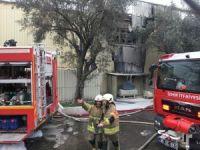 İzmir'de polyester fabrikasında yangın paniği