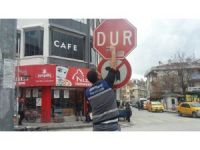 Aksaray Belediyesi trafik işaret ve yön levhalarını yeniledi