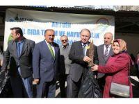 Artvin'de vatandaşlara 12 bin adet ağaç fidanı dağıtıldı