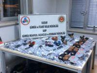 Sarp'ta 176 bin liralık gümrük kaçağı güneş gözlüğü ele geçirildi