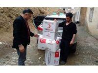 Kızılay'dan yoksul aileye yardım