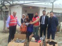 Kızılay'dan 300 aileye yardım