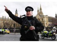 Londra'da parlamento binası yakınında saldırı: 1 ölü