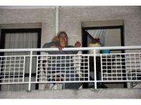 AK Partili kadınlara saksı atıldı