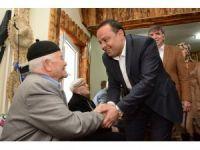 AK Parti Aksaray heyeti huzurevi sakinleriyle bir araya geldi