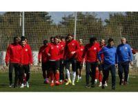 Antalyaspor, Kayserispor maçı hazırlıkları sürdürüyor