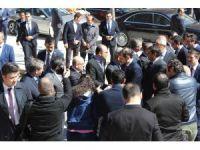 Bakan Albayrak, gençlerden Cumhurbaşkanı için dua istedi
