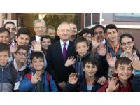 CHP lideri Kılıçdaroğlu, Afyonkarahisar'da şehit ailelerini ziyaret etti