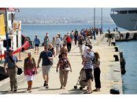 Yılın ilk yolcu gemisi Alanya Limanı'na yanaştı