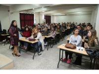 Üniversiteli gençlere madde bağımlığı ile mücadele eğitimi