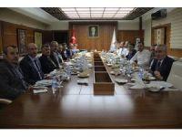 Vali Aktaş, TRT yöneticileri ile bir araya geldi