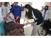 Tosya Toplum Sağlığı Merkezi Huzurevi sakinlerinin Yaşlılar Gününü kutladı