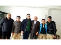 Hakkari AİHL öğrencilerinden yaşlılara ziyaret