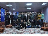 Başkan Aksoy'un eşinden tiyatro grubuna ziyaret