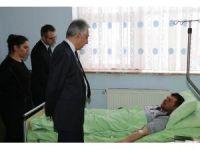 Vali Toprak'tan yaralı askerlere ziyaret