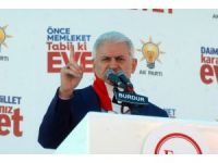 """Başbakan Yıldırım: """"Kılıçdaroğlu'nun dünyadan haberi yok, üflüyor üflüyor"""""""