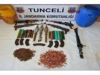 Tunceli'de C4 patlayıcıyla birlikte yüklü miktarda mühimmat ele geçirildi